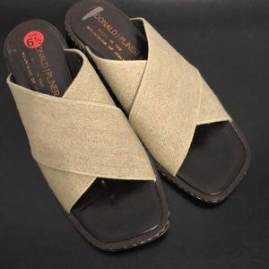 Donald J Pliner Tan Slide-in sandals Sz 6.5